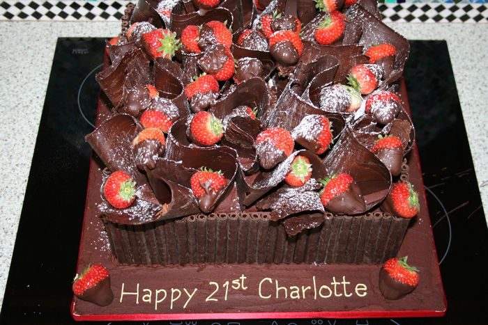 Gallery Birthday Chocolate Plain Cake With Strawberries